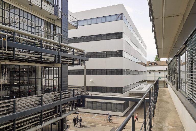 "Roche Research Building ""Bau 98"", Basel"
