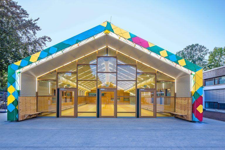 Stuttgart-Möhringen +++ School canteen completed
