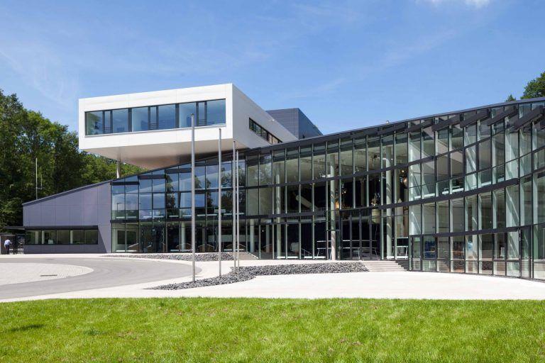 DLR-Forum für Raumfahrtantriebe, Schulungs- und Ausstellungsgebäude